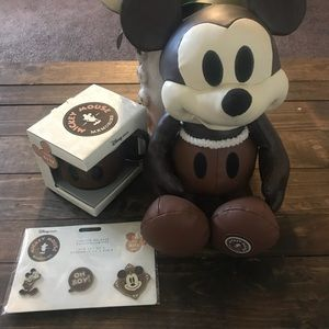 Mickey Mouse memories April collection